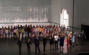 The ensemble with Petrenko and Warlikovski at curtain call